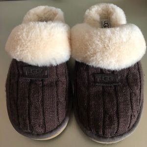 Brand new UGG slipper shoes size 7